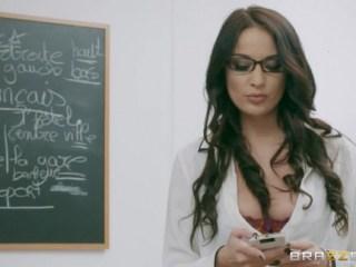 A la profesora de francés le gusta por el culo