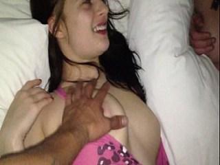 Un trio anal con dos chicas de 18 años